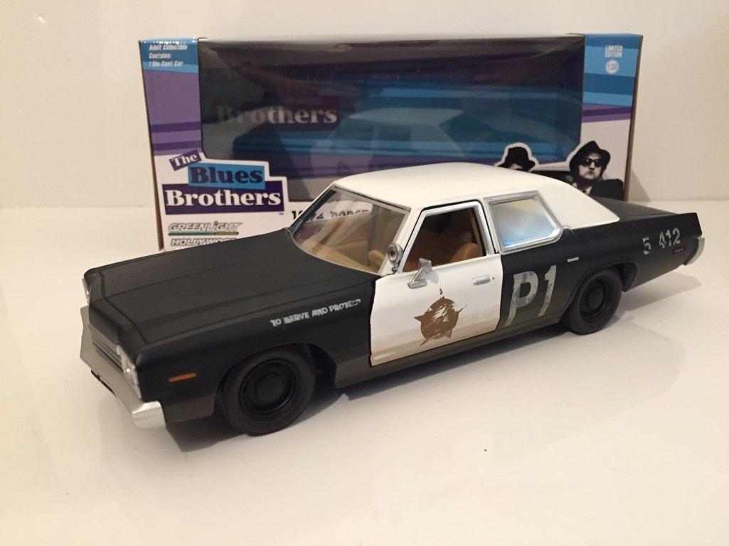 Greenlight Dodge Monaco 1974 mit Lautsprecher Blues Brothers Modellauto 1:43
