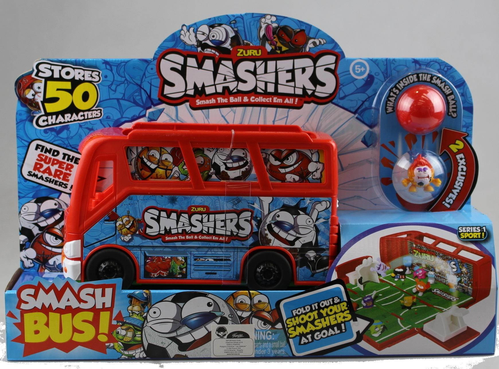 Smashers Football Bus with 2Figures Famous Smashball 700014384 Football Field